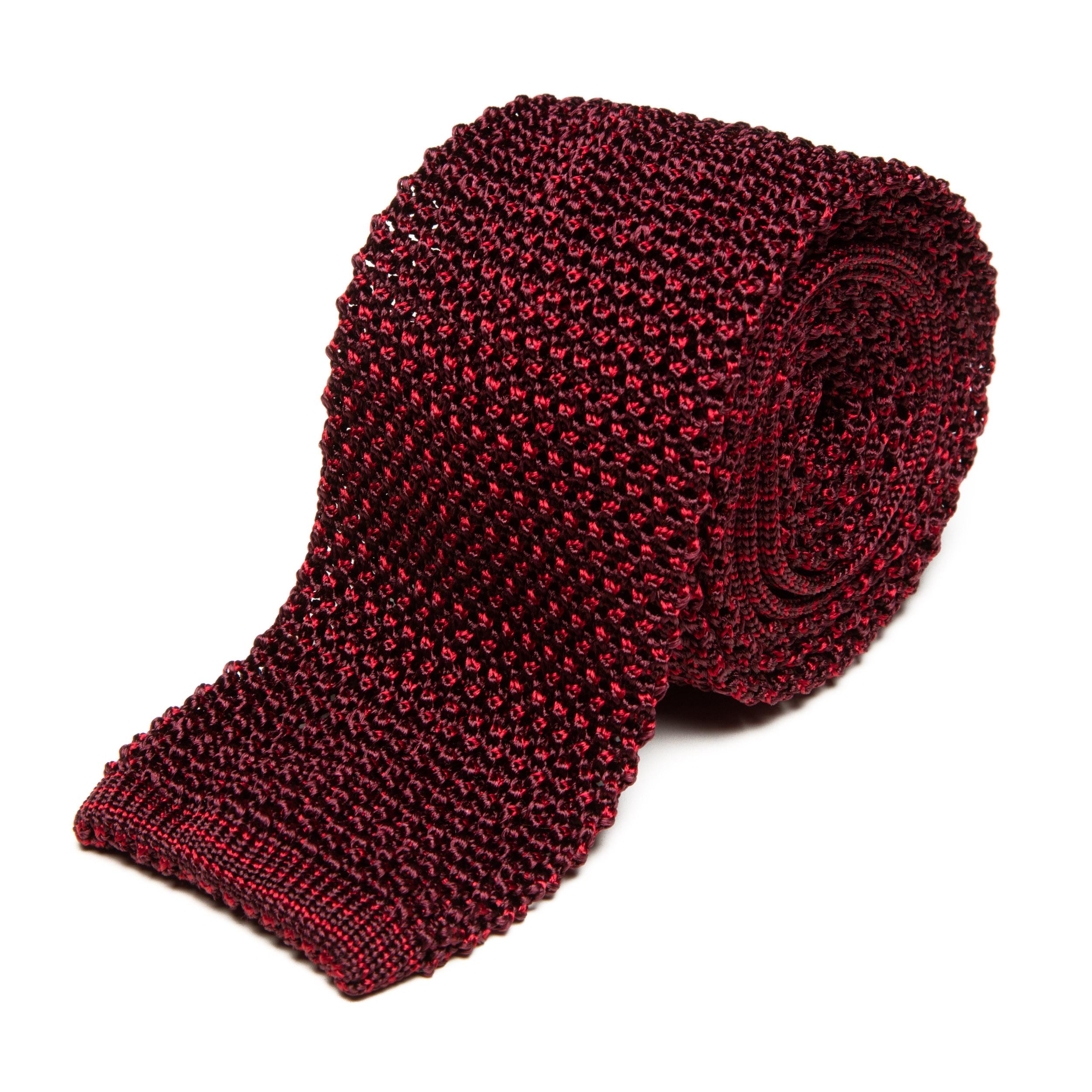Cravate en tricot de soie